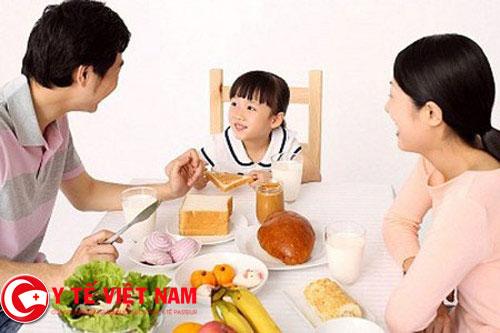 Bí quyết tạo thói quen ăn uống lành mạnh cho trẻ