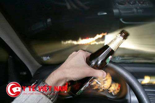 Từ vụ nữ tài xế tông 1 người chết, 7 người bị thương, chuyên gia phân tích về tác hại của rượu, bia
