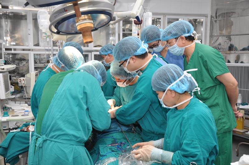 Nhiều bệnh viện công ở Đồng Nai kêu cứu vì bác sĩ giỏi ồ ạt xin nghỉ việc
