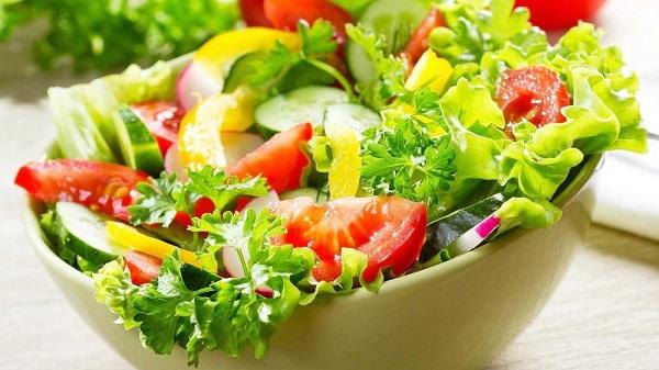 Bác sĩ gợi ý 6 thực phẩm giúp bù nước và điện giải ngày nắng nóng
