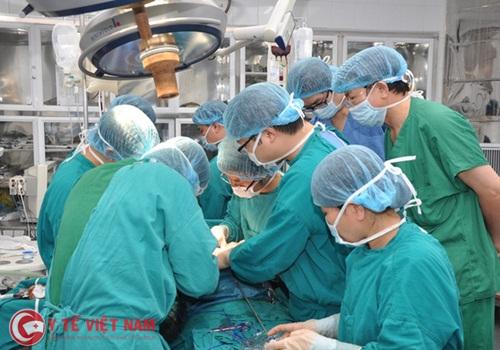 Hàng loạt bác sĩ bỏ chỗ 3 triệu/tháng, đầu quân về nơi kiếm 50 triệu/tháng