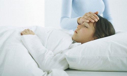 Triệu chứng sốt xuất huyết và sốt siêu vi khác nhau không?