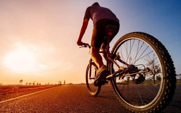 Bệnh nhân bị thoát vị đĩa đệm có nên đạp xe không?