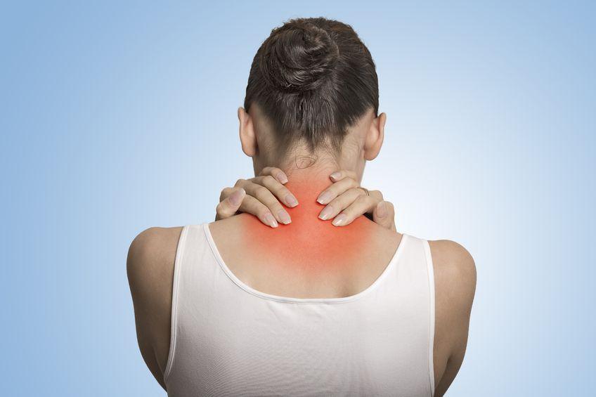 Xoa bóp bấm huyệt vùng cổ chữa đau cổ gáy hiệu quả